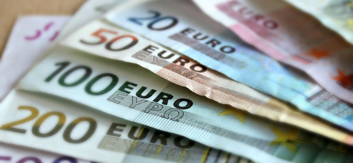 bank-note-euro-investments-payment