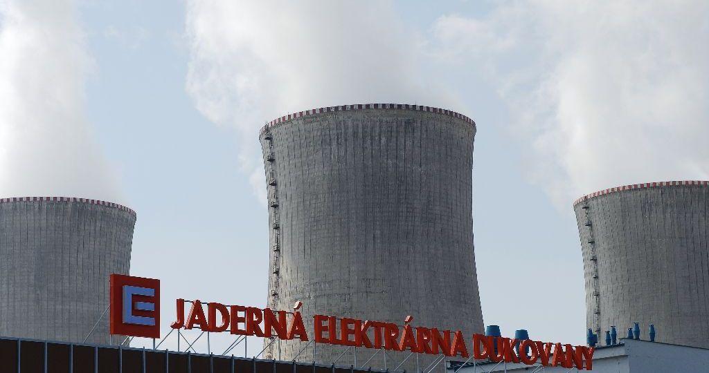 cez-jaderna-elektrarna-dukovany-chladici-veze-zdroj-cez