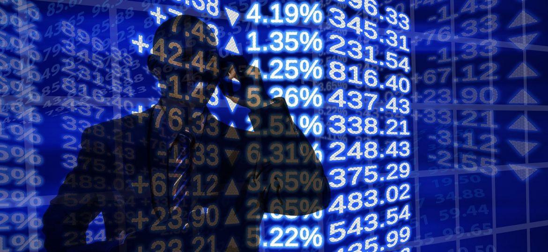 data-trading-stocks-market-man-calling