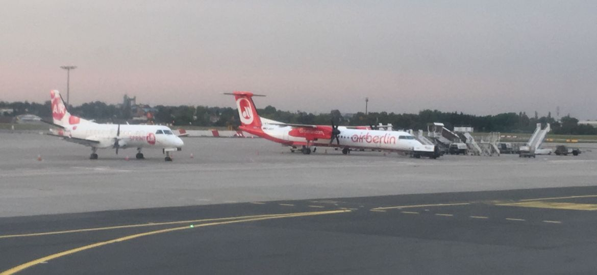 plane-fly-airplane-aircraft-engine-airberlin-airport-zdroj-w4t