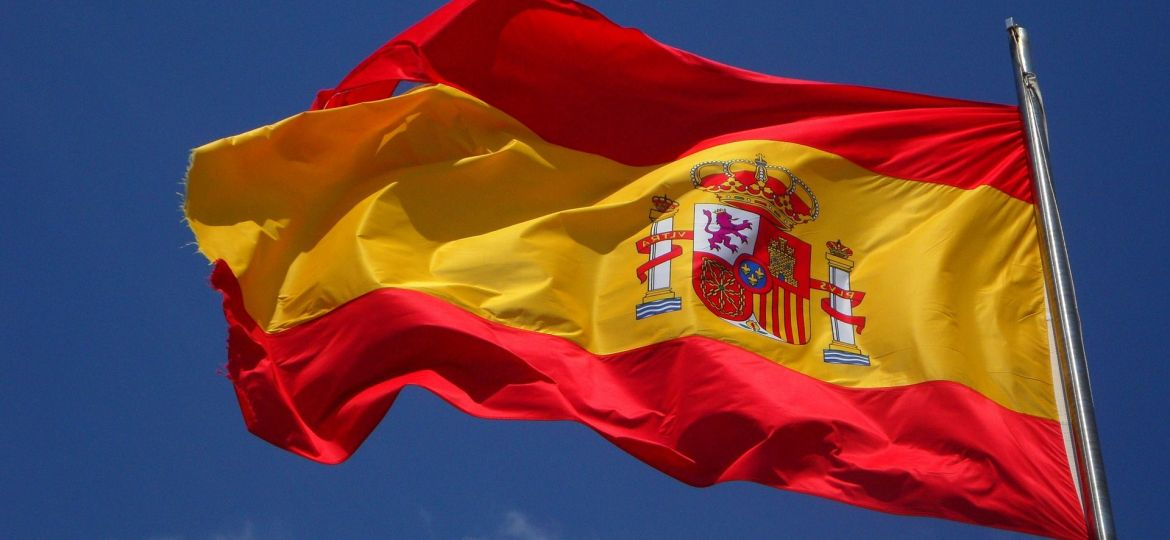 spain-flag-flutter-spanish-cabrera-wind-windy-zdroj-m-w