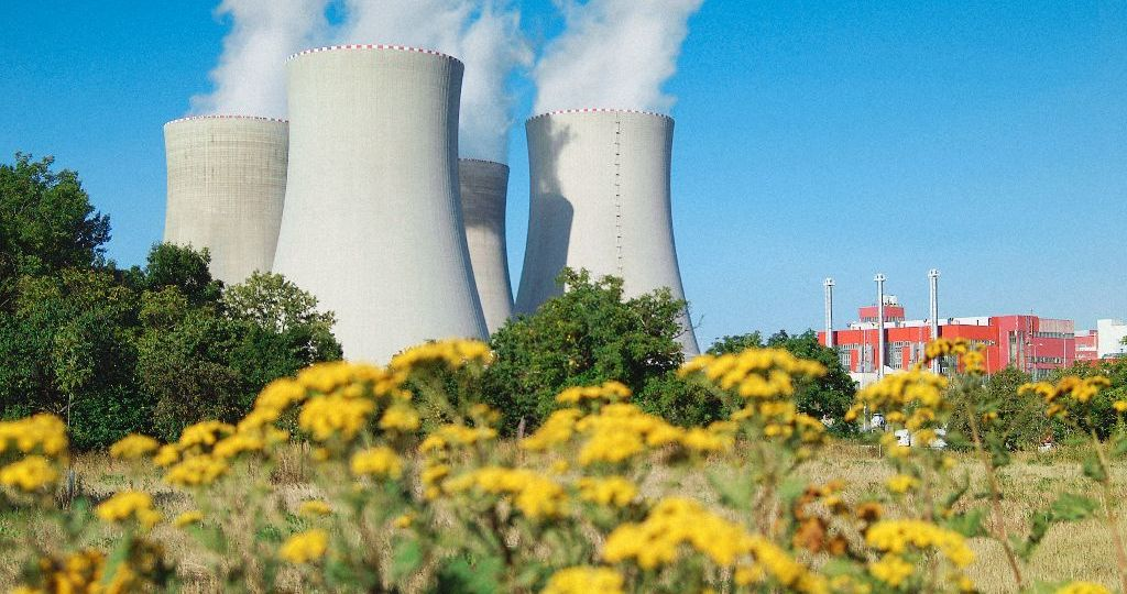 temelin-chladici-veze-kour-ovzdusi-znecisteni-zdroj-cez