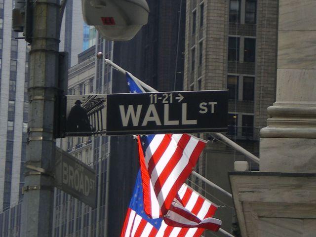 wall-street-usa-stocks-trading-nyse-market-zdroj-dflorian1980-2013