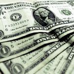Americký dolar před koncem zasedání Fedu posiluje