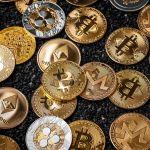 Zde je 5 způsobů, jak vydělat na krachu kryptoměn, aniž byste museli kupovat volatilní mince