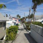 Bahamas-Neighborhood1_LR