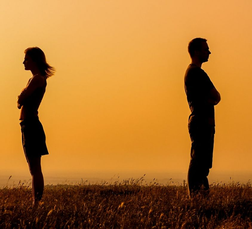 How-to-Stop-Fighting-in-a-Relationship-turn-away