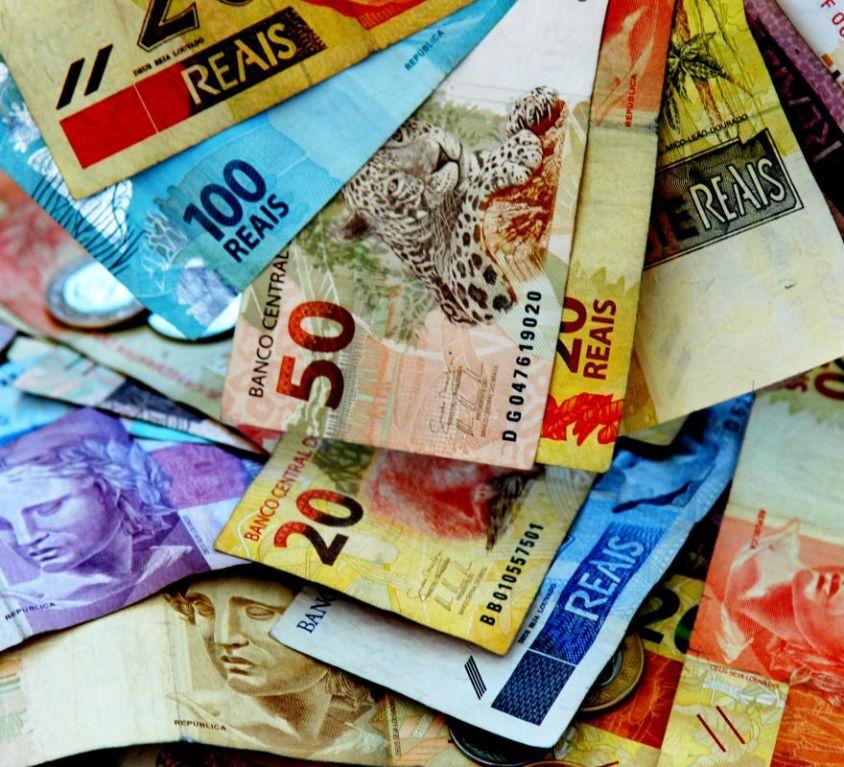 d_67397_100-real-ballots-brazil-brazilian-currency