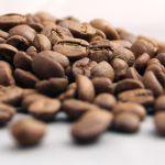 Cena kávy arabica kvůli mrazům v Brazílii stoupla nejvýše za šest a půl roku